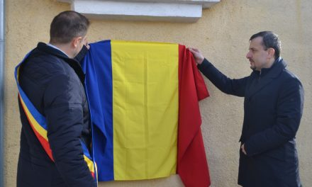 """Băile """"1 Mai"""", Centenar: omagiu adus greco-catolicului Ardelean Gheorghe"""
