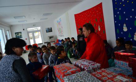 """Copiii Centrului de zi """"Sf. Martinˮ din Ioaniș, în prag de Crăciun"""