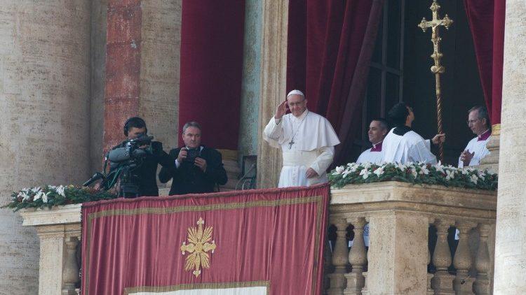 Slujbele de Crăciun ale papei Francisc, în direct la Televiziunea Română