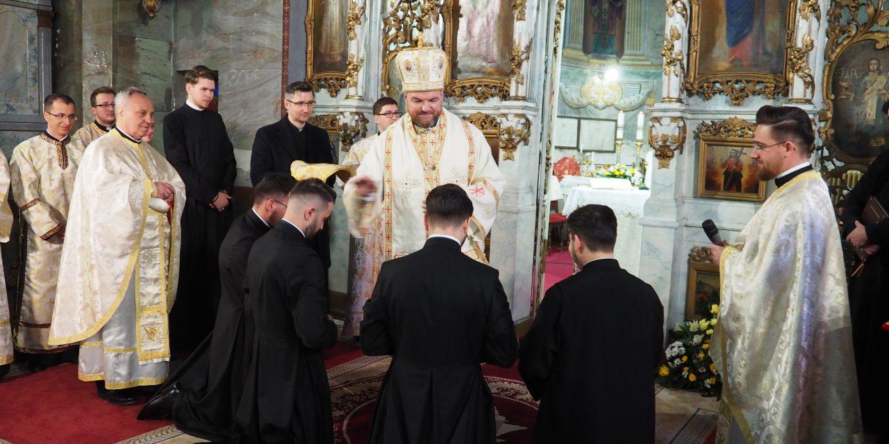 """Seminarul """"Sfinții Trei Ierarhiˮ din Oradea și-a sărbătorit hramul"""