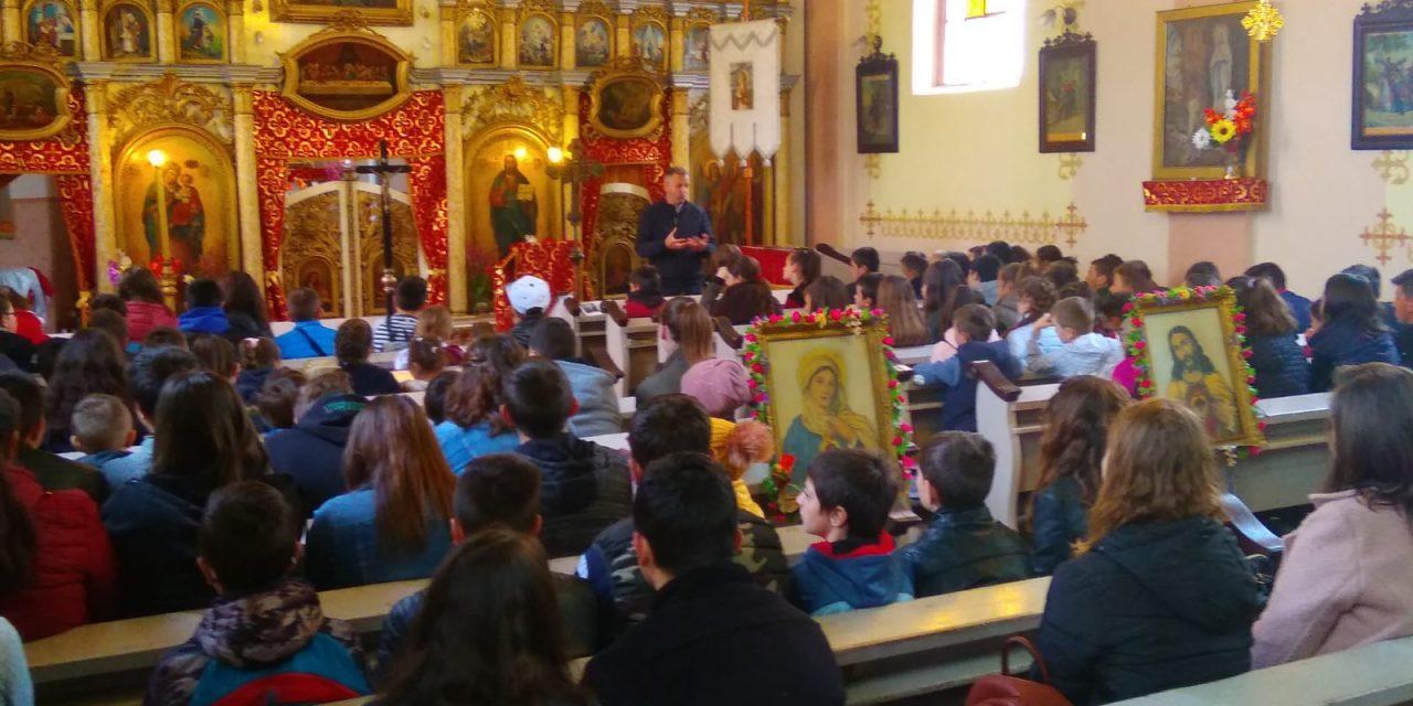 Tinerii din Protopopiatele Carei, Tășnad și Supur la exerciții spirituale