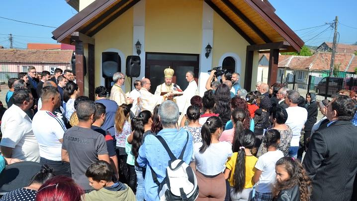 Noua biserică din cartierul rom de la Blaj, pregătită pentru vizita papei Francisc