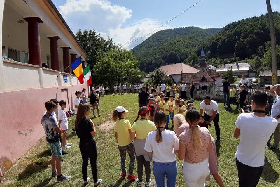 Vacanța mea, aventură și cunoaștere: tabără internațională la Nucet-Băița