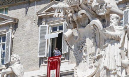 Papa Francisc: Fecioara Maria ne arată că am fost creați pentru marile bucurii ale cerului