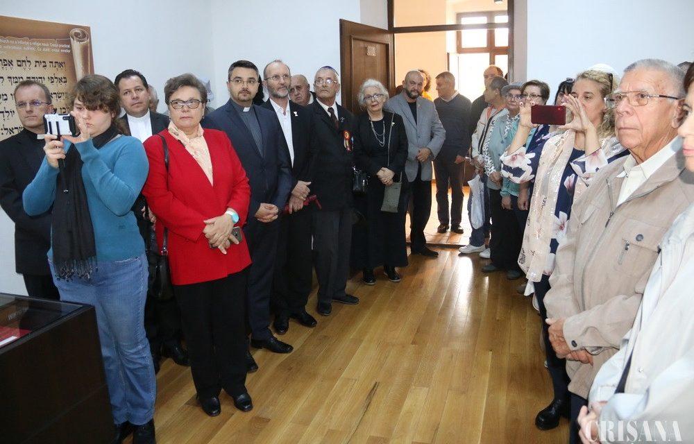 Vernisajul expoziţiei a avut loc joi, 26 septembrie – Evreii Mesianici, premieră mondială la Oradea