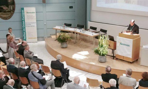 Al XXIII-lea Congres Internațional Renovabis, la München