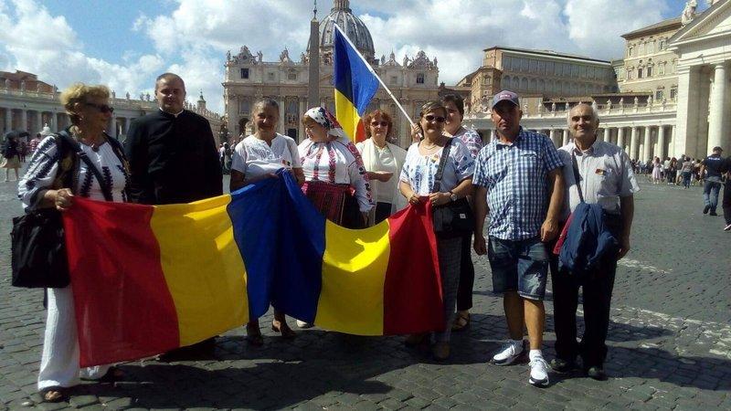 """Români la Ziua mondială a migrantului și refugiatului 2019 în Piața """"Sf. Petru"""""""