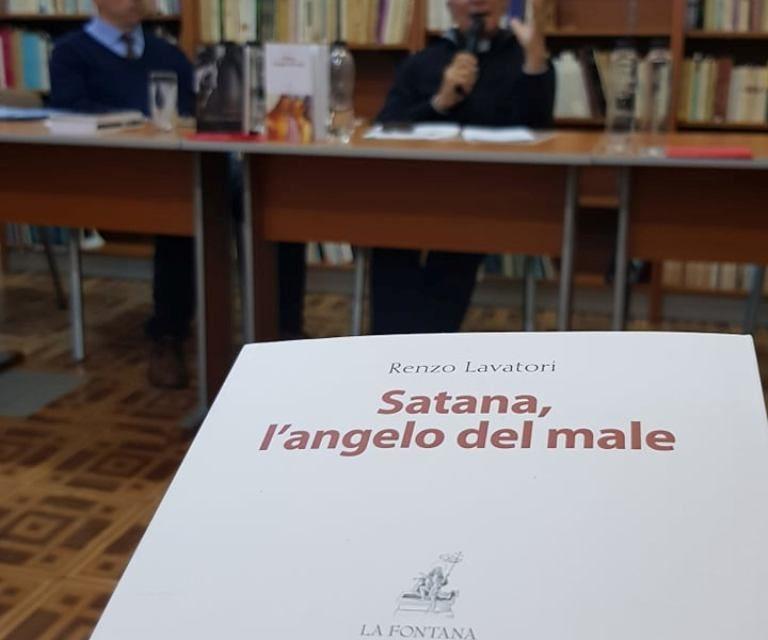 România: conferință despre demonologie, ministerul exorcismului care crește nevoile pastorale