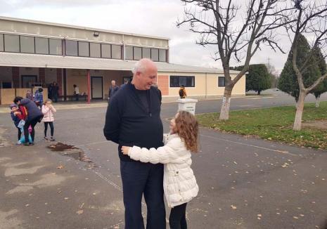 Bunul Ugo: Un călugăr italian cucereşte inimile copiilor de la Liceul Don Orione şi pe ale credincioşilor greco-catolici