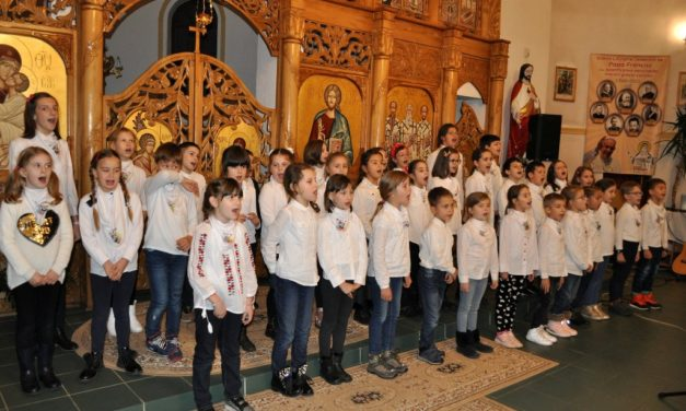 """Concertul de Colinde – la Biserica Greco-Catolică """"Sfinții Trei Ierarhi"""" din Beiuș"""