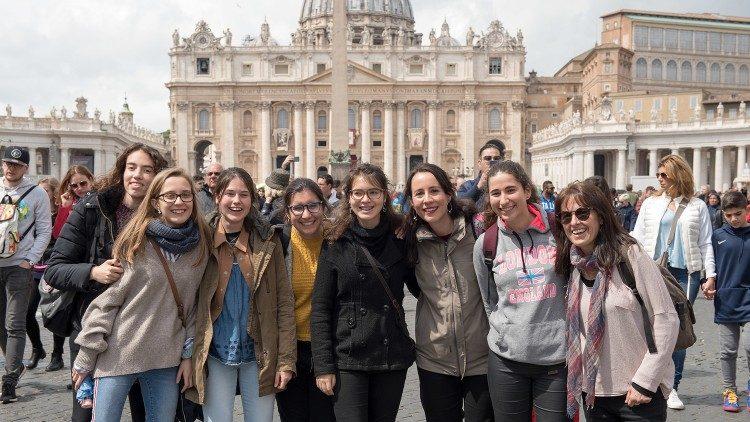 În Italia, 86% dintre elevi aleg ora de religie