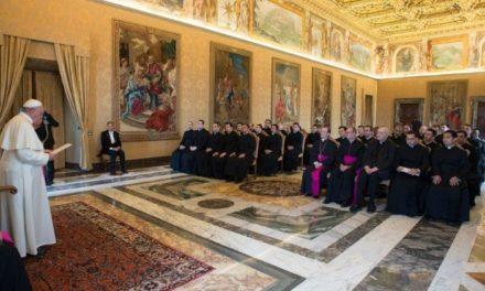 Papa Francisc: Un an în misiune pentru viitorii diplomaţi ai Sfântului Scaun