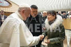 Papa s-a întâlnit cu doamna asiatică