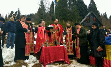 Luptătorii din Apuseni, comemorați în prezența foștilor deținuți și urmașii lor. Parastas la troița lui Teodor Șușman