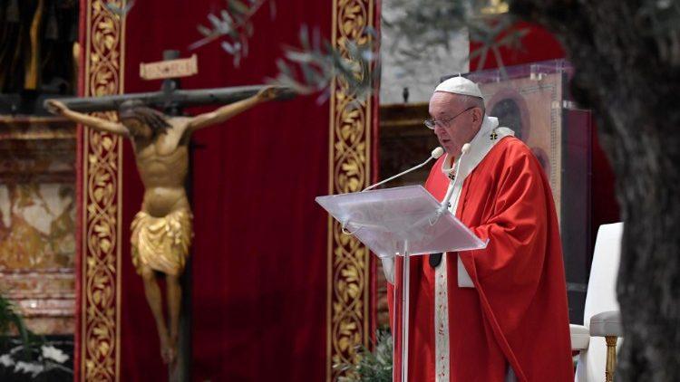 Duminica Floriilor. Papa Francisc: Să spunem DA iubirii, cum a făcut Isus pentru noi