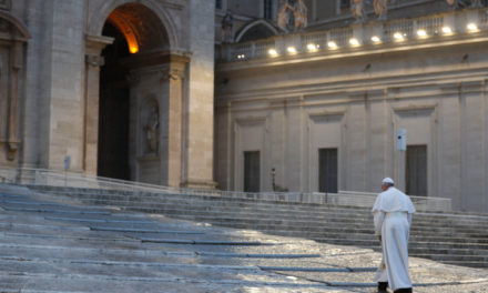 """""""Barca în furtună"""", între Ratzinger și Bergoglio"""