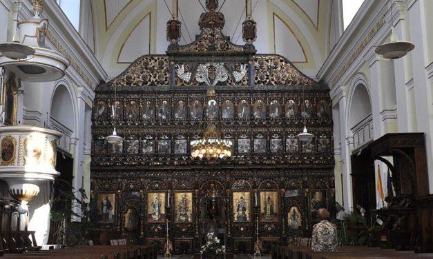 """29 de ani de la preluarea Catedralei """"Sfânta Treime"""" din Blaj"""