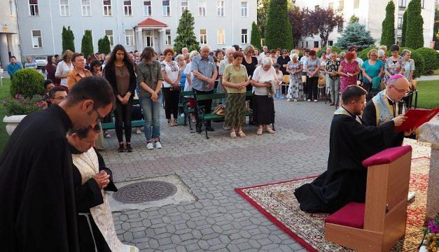Acum doi ani Eparhia de Oradea și Seminarul Teologic au fost consacrate Inimii Neprihănite a Fecioarei Maria și Spiritului Sfânt