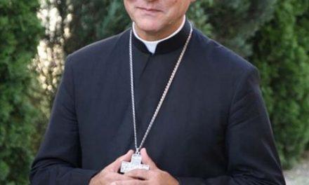 """Preasfințitul Episcop Virgil Bercea: """"Mama punea o cruce pe radio și eram parcă în Biserică!"""""""