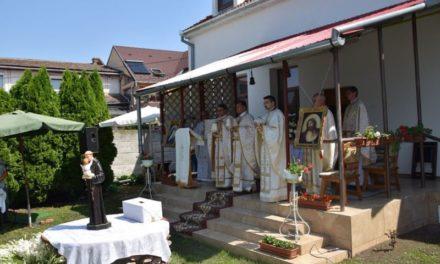 Sobor de preoți la hramul bisericii Sf Anton Carei