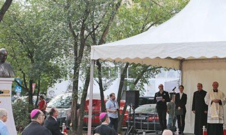 Monumentul Papei Francisc: loc al întâlnirii, semn de recunoștință și invitație la fraternitate