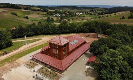 Refugiu şi observator turistic pentru iubitorii naturii