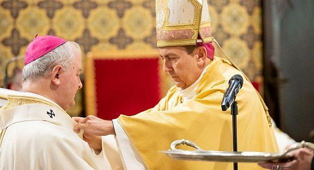 ÎPS Aurel Percă a primit pallium-ul în Catedrala Sf. Iosif