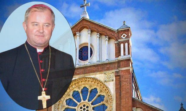 COMUNICAT DE PRESĂ:ÎPS Aurel Percă primește de la Papa Francisc însemnul de mitropolit