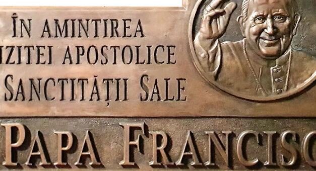 ÎPS Aurel Percă va dezveli o placă comemorativă în cinstea vizitei Papei Francisc în România