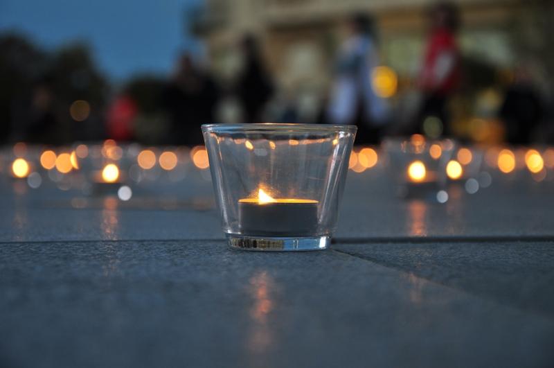 INVITAȚIE:  Aprindeți o candelă și faceți o donație!