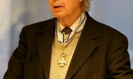 Keith Hitchins a trecut la Domnul