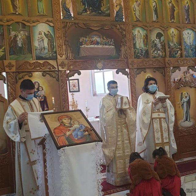 Vizita părintelui vicar cu preoții în Parohia Ioaniș