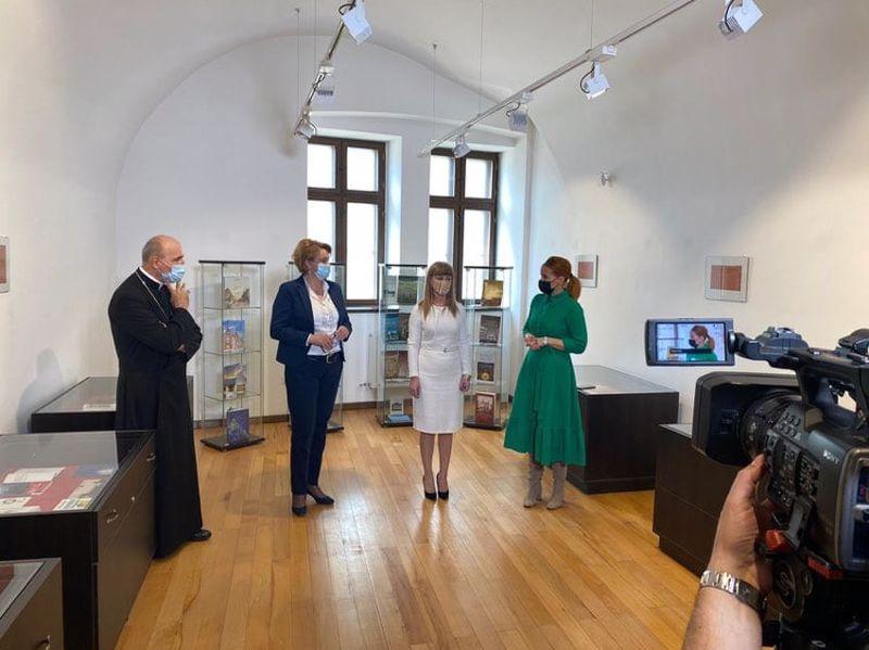 "S-a deschis expoziţia ""Oradea sub tipar"""