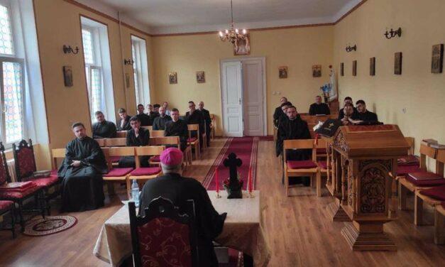 Exercițiile spirituale ținute de PS Ioan seminariștilor orădeni