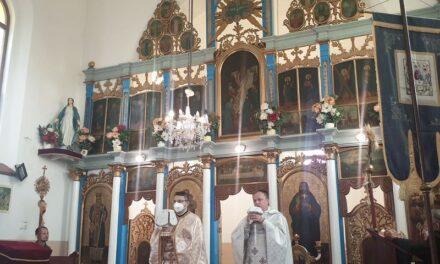 Vizita părintelui vicar cu preoții în Parohia Cheț