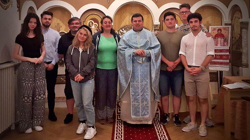 Tinerii din Zileos România la un campus în Franța