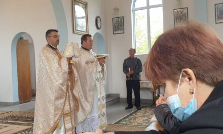 Părintele vicar cu preoții a vizitat parohia din Căuaș