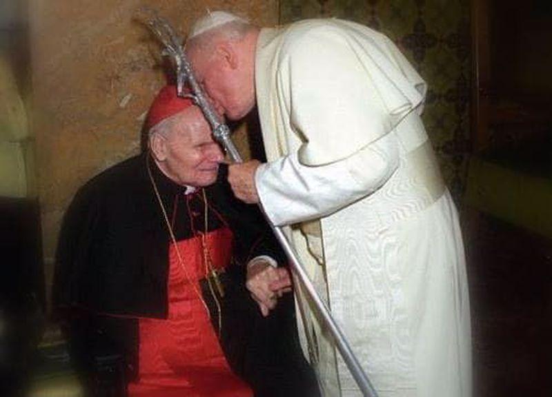 """""""Omul atât de iubit de Papa Ioan Paul al II-lea"""""""