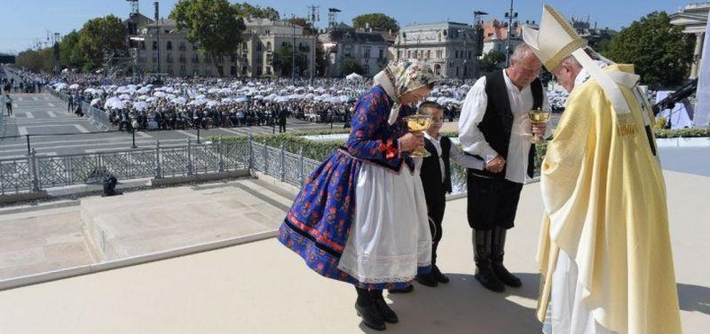 Papa la închiderea Congresului Euharistic Internațional
