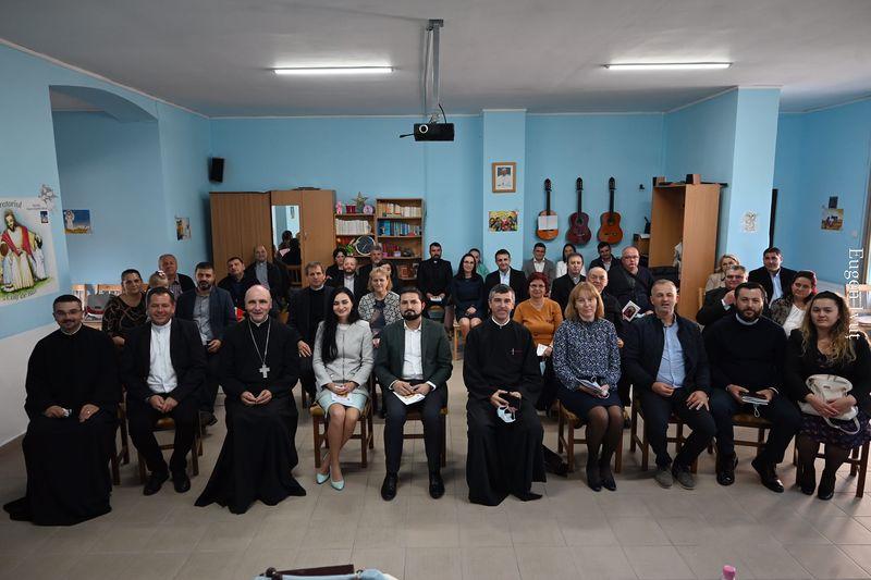 Întâlnirea preoților și a preoteselor din Protopopiatele Beiuș și Holod, cu PS Virgil