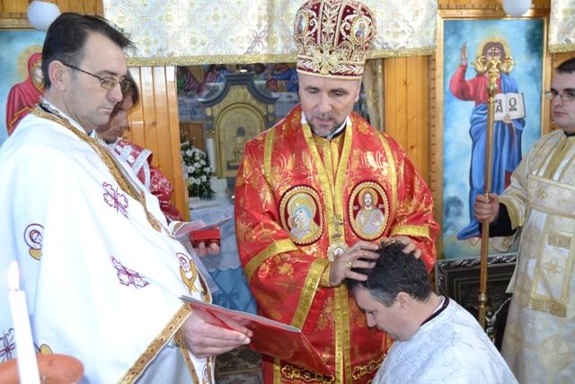 Vizita pastorala si Sfânta Liturghie Arhiereasca în Parohia Sarsig,