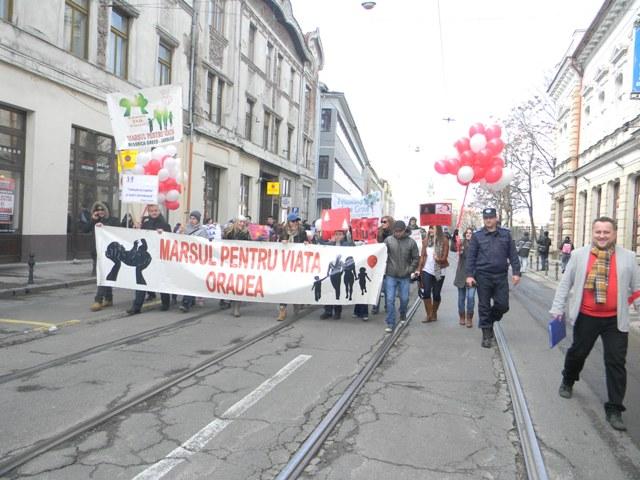 """""""Marsul pentru viata la Oradea, editia 2013"""","""
