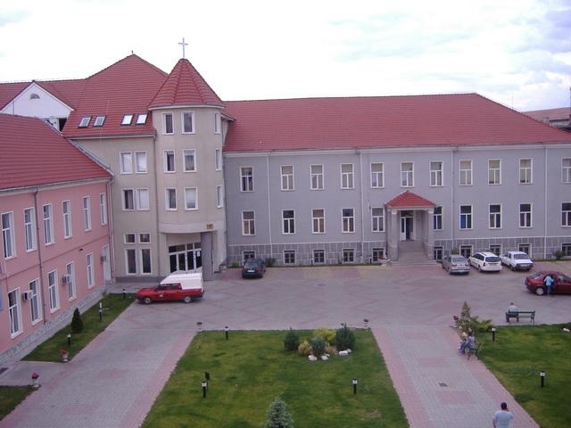 """""""Invitatie: Simpozionul studentesc cu tema Credinta, raspuns si responsabilitate – la Oradea"""","""