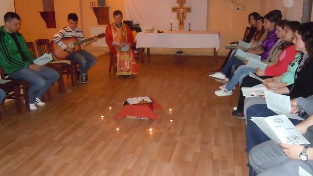 """""""Exercitii spirituale cu Studentii Colegiului ,,Sfânta Familie"""" din Oradea la Padurea Neagra"""","""