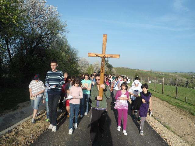 Reculegeri spirituale pentru tineri la Sinteu,