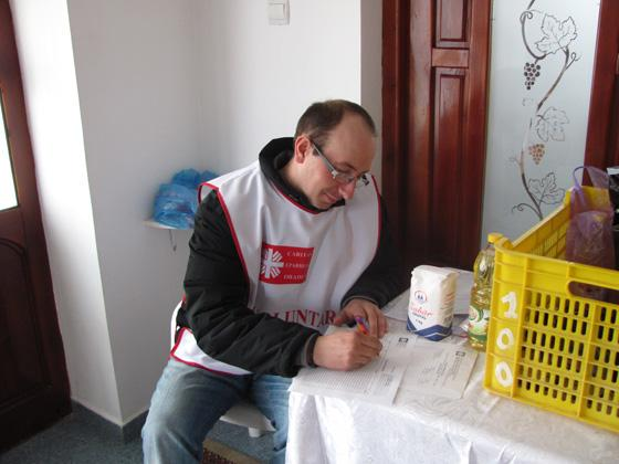 Caritas Eparhial Oradea: Colecta de Pasti 2013,