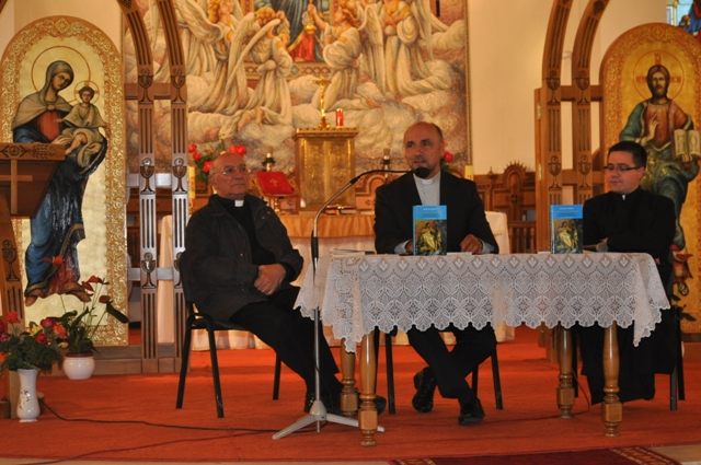 """Lansarea cartii """"PREASFÂNTA FECIOARA MARIA ÎMPOTRIVA DIAVOLULUI ÎN RITUALUL DE EXORCIZARE"""" de don Francesco Bamonte la Oradea,"""