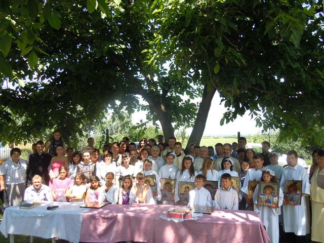 """Prima Spovada si Sfânta Împartasanie Solemna a copiilor din Parohia Poiana, Bihor"","