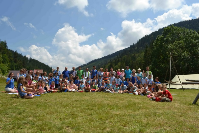 """Peste 70 de scoutisti de la Centrul """"Don Orione"""" din Oradea au fost în tabara,"""