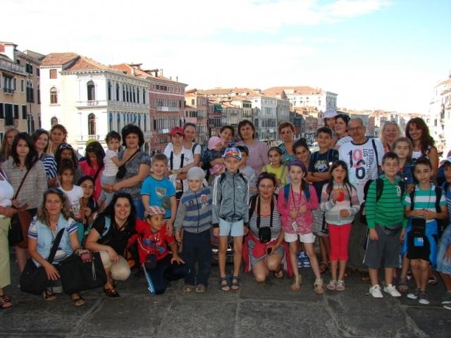 Pelerinajul copiilor de la clasele Step by Step ale Liceului Greco-Catolic din Oradea la Roma,